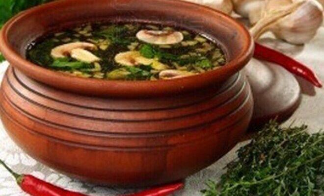 Грибний суп «Дієтичний» в горщиках - рецепт приготування