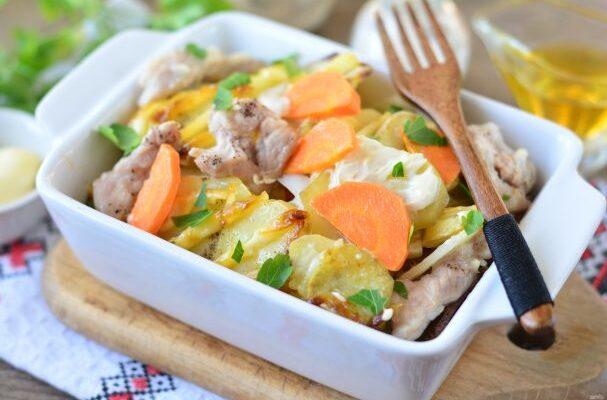 Картопля з м'ясом шарами в духовці - рецепт приготування