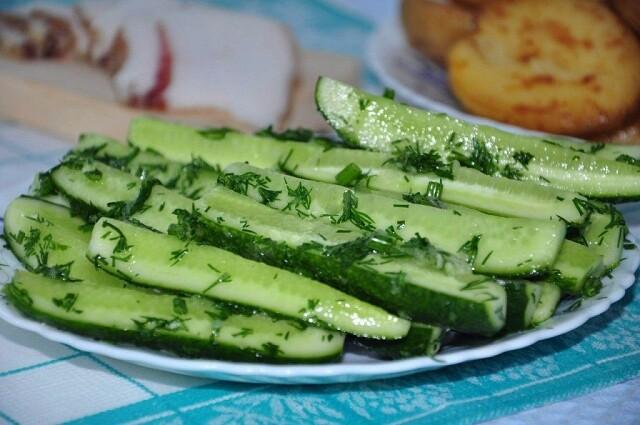Малосольні огірки - рецепт приготування