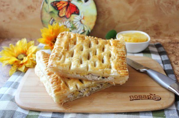 Пиріг з куркою і ананасами - рецепт приготування
