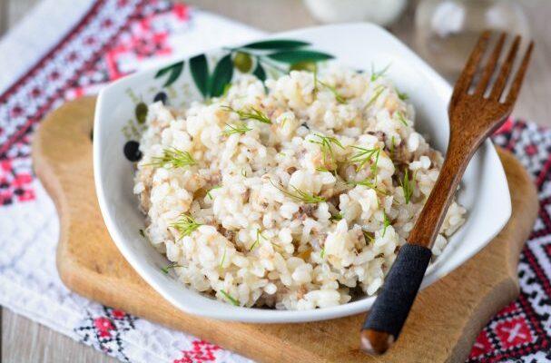 Рис з рибними консервами - рецепт приготування