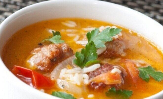 Рисовий суп з м'ясом в горщиках - рецепт приготування
