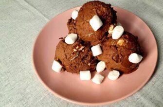 Шоколадне морозиво з вершків зі згущеним молоком і маршаллову - рецепт приготування
