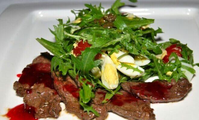 Теплий салат з яловичиною - рецепт приготування