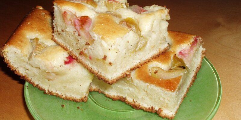 Печу бюджетний пиріг без грама масла, сметани і яєць - рецепт приготування