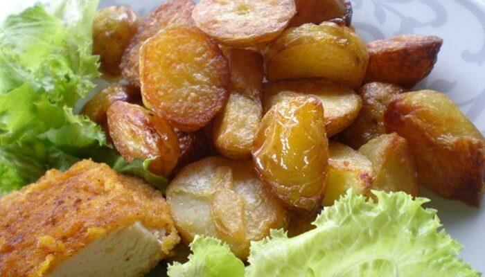 Рум'яна і з скоринкою: запечена картопля за рецептом моєї бабусі - рецепт приготування