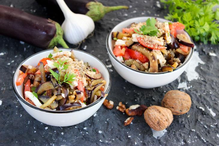 Салат з баклажанів з помідорами і адигейським сиром - рецепт приготування