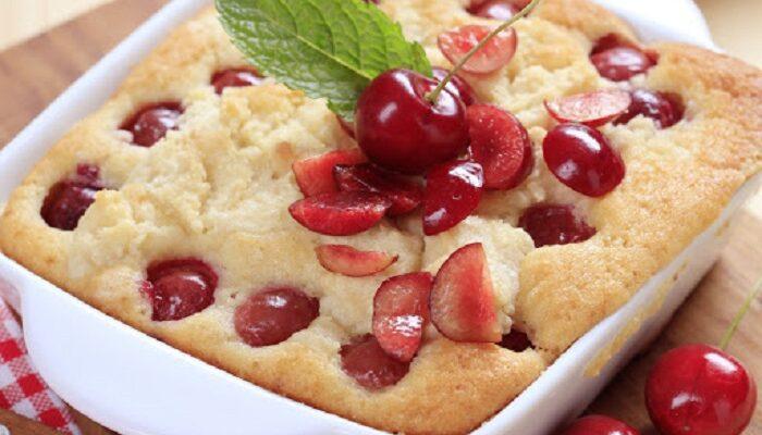 Як тільки встигає вишня, печу французький пиріг - рецепт приготування