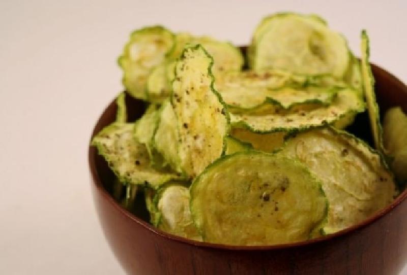 Замість картопляних чіпсів їм хрусткі снеки з огірків - рецепт приготування