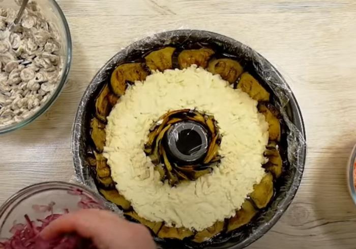 Салат «Король застілля»: святковий салат з неземним смаком з незвичайних, але простих продуктів