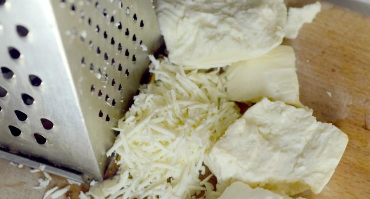 Швидкі закуски «Поки смажиться шашлик»: з кабачків і зеленої цибулі